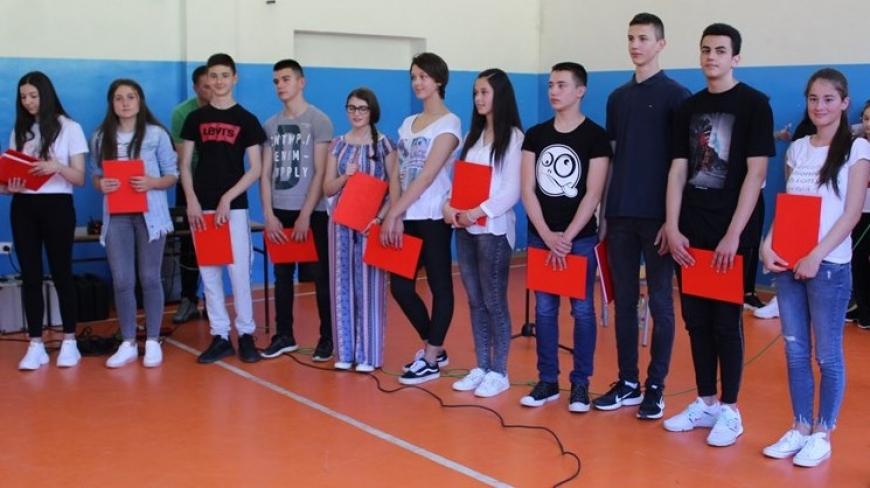 ВУКОВЦИ ИЗ НЕВЕСИЊА ОДЛАЗЕ НА НАГРАДНО ПУТОВАЊЕ У СРБИЈУ